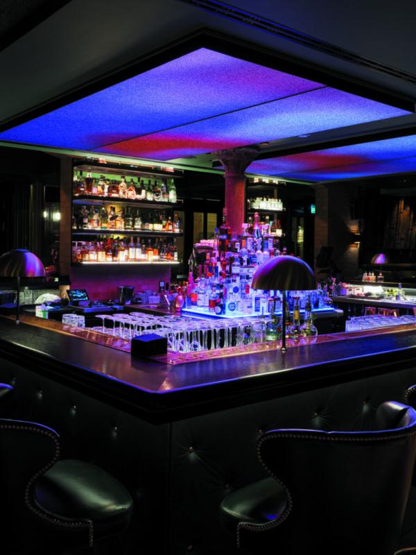 bar noir TORTUE HAMBURG Design Hotel Hotelbar Innenstadt Hanseatisch Französisch