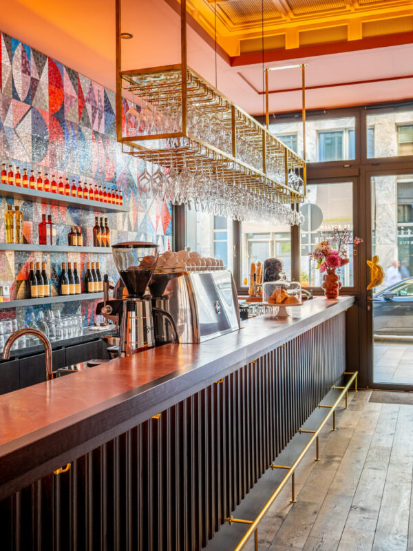 petite TORTUE HAMBURG Design Hotel Bar Cafe Innenstadt Hanseatisch Französisch