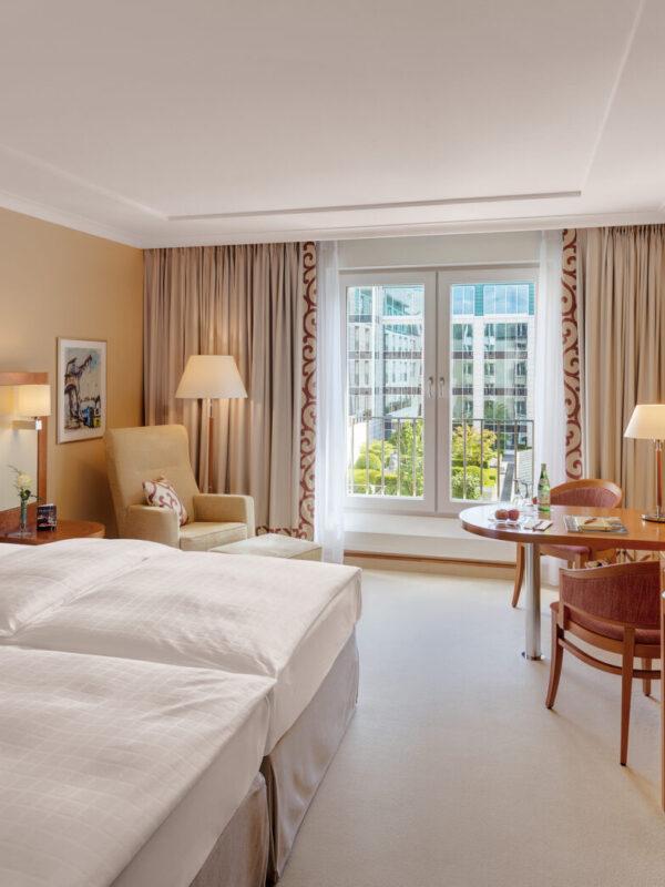 Grand Elysée Hamburg 5 Sterne Luxus Privathotel Business Tagungshotel Restaurants Café Bars